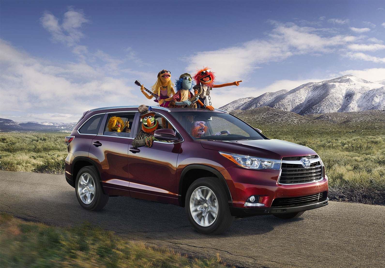 2015 Toyota Highlander in TX fits families — and Muppets
